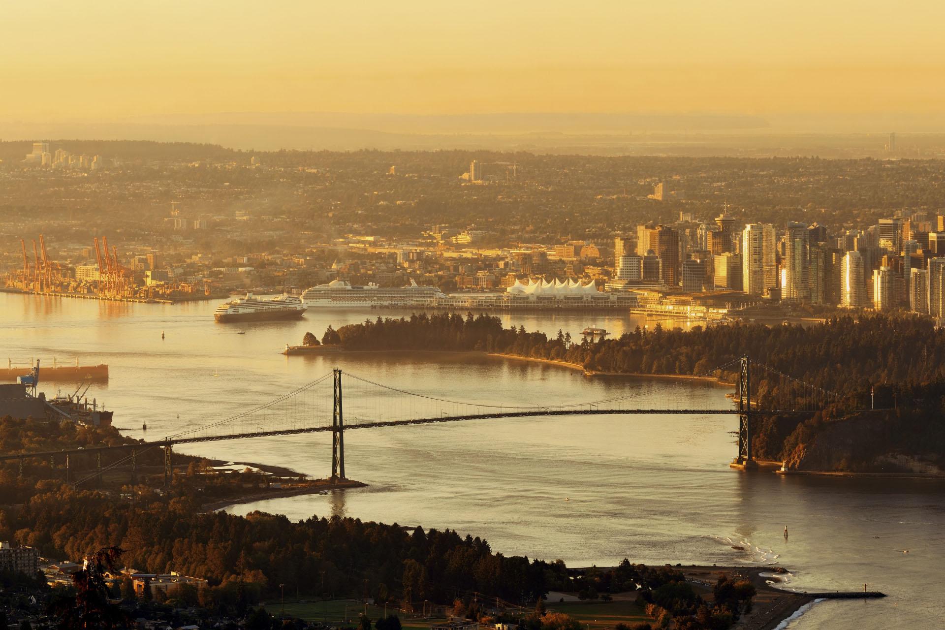日の出のバンクーバーの風景 カナダの風景