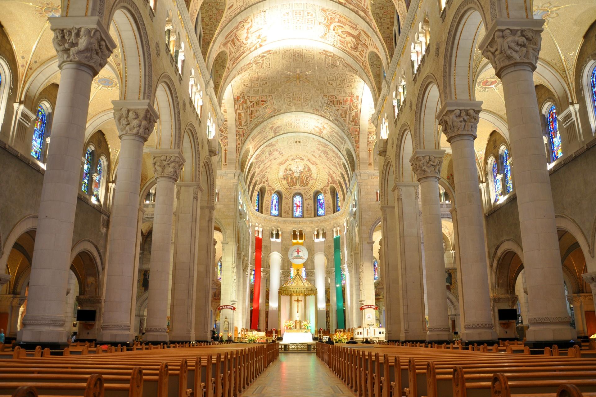 ケベック サンタンヌ・ド・ボープレ大聖堂